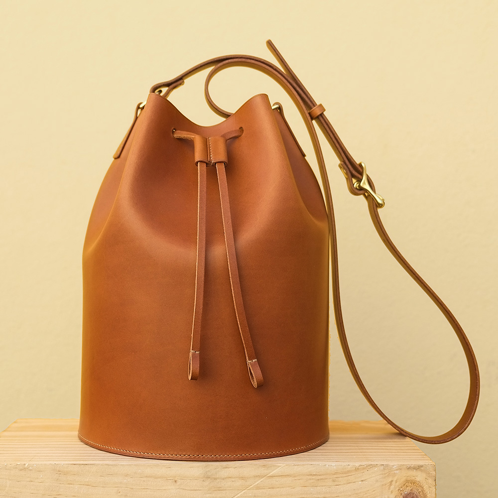 Kai leather bucket bag