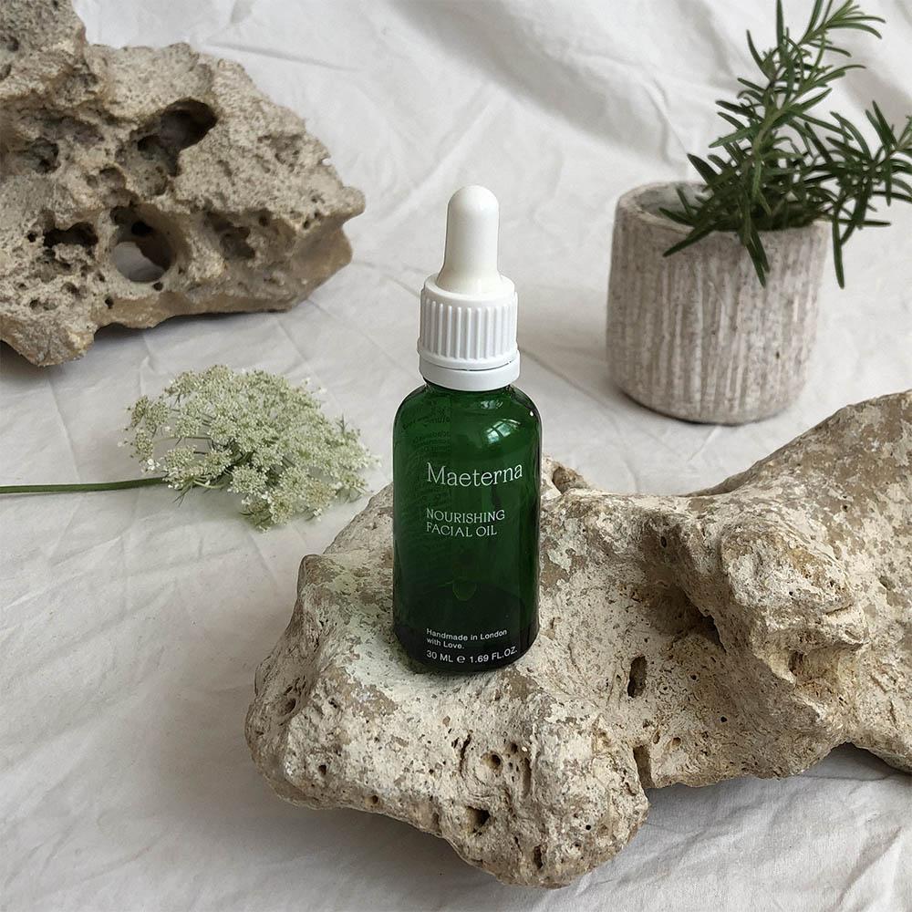 Maeterna facial oil