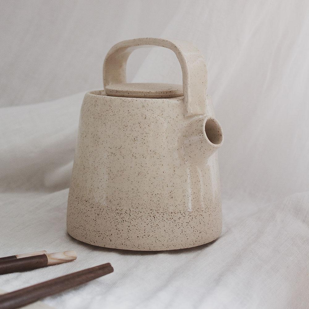 Racconti attorno al fuoco - teapot