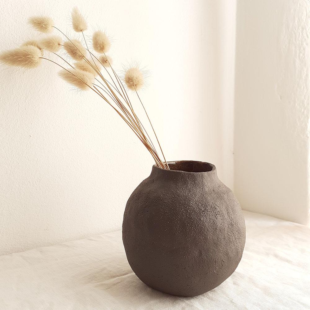 Vase decor chocolate