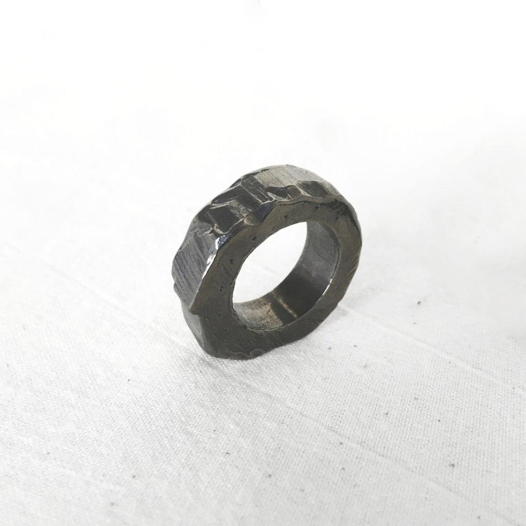 Chunky ring I