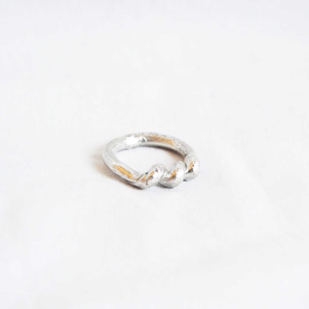 Round ring silver