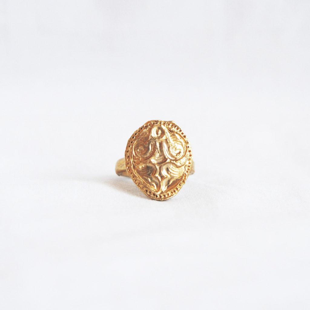Venus bronze ring